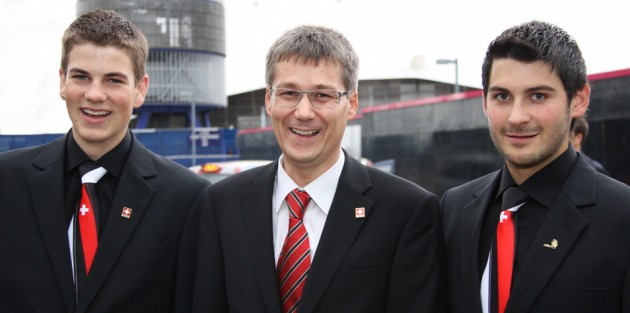 Peter Mller (links) und Peter Enzler (rechts) mit Hans-Peter Pfyl vom VSSM.